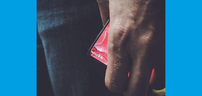2017 Çerçevesi Olmayan Akıllı Telefon