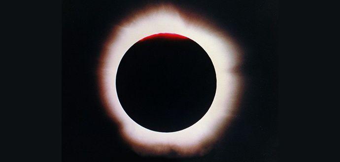 Güneş Tutulmasını çıplak gözle izlersek ne olur
