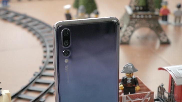Huawei P20, P20 Pro ve Mate RS Telefon incelemesi ( Arasındaki Farklar )