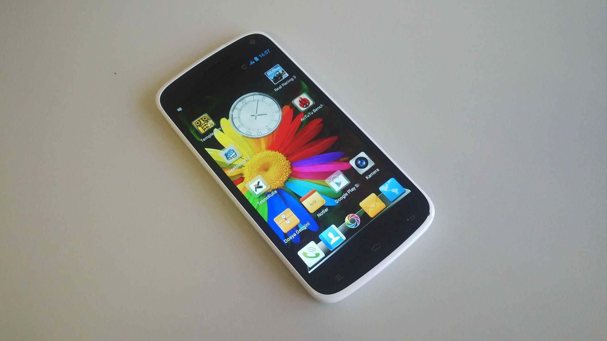 General Mobile Discovery A101 Raflarına Geldi