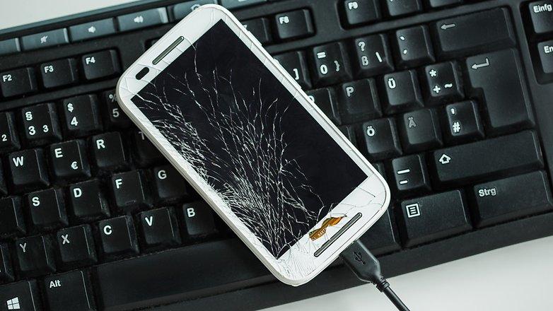 Kırık akıllı telefonunuzu bir PC'den nasıl kullanabilirsiniz?