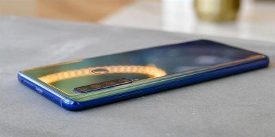 Samsung Galaxy A9 8 Gb Ram ve 4 Kamerasıyla orta segment bir telefon mu?