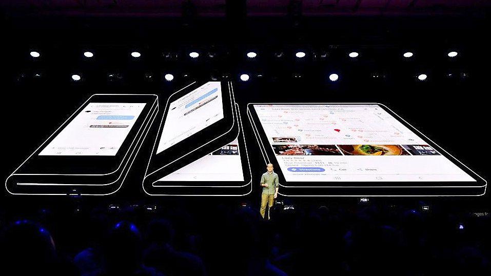 Samsung'un katlanabilir Galaxy F'i konsept bir videoda sergilendi