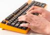 Klavyeyi Nasıl Güvenle Temizlerim?